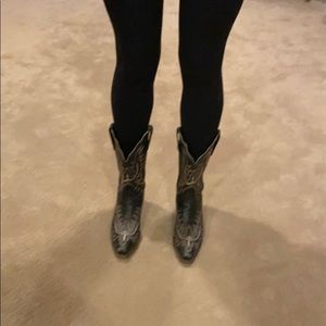 1883 Lucchese cowboy boots